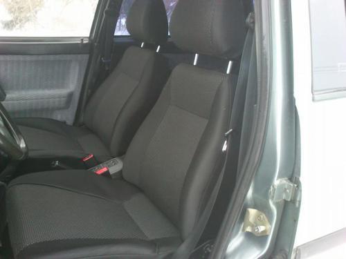 Обивка сидений (не чехлы) черная Искринка на ВАЗ 2110_1
