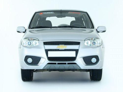 Передний бампер Dakar в цвет кузова для Шевроле Нива