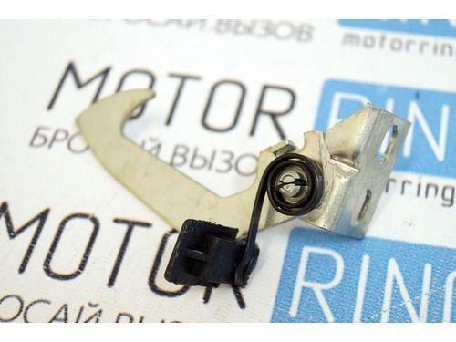 Крючок капота на ВАЗ 2110-2112_1