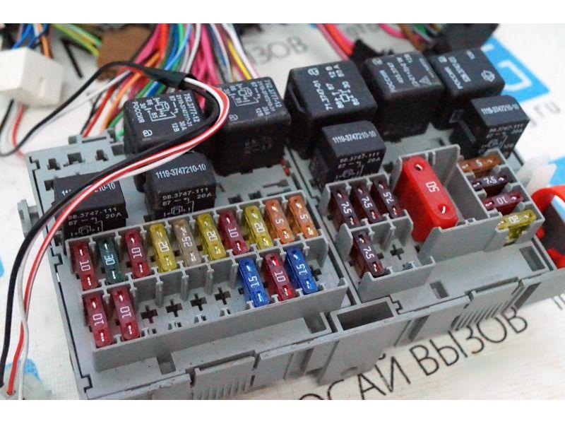 Жгут проводов панели приборов в сборе с блоком предохранителей 11183-3724030 на Лада Калина_2