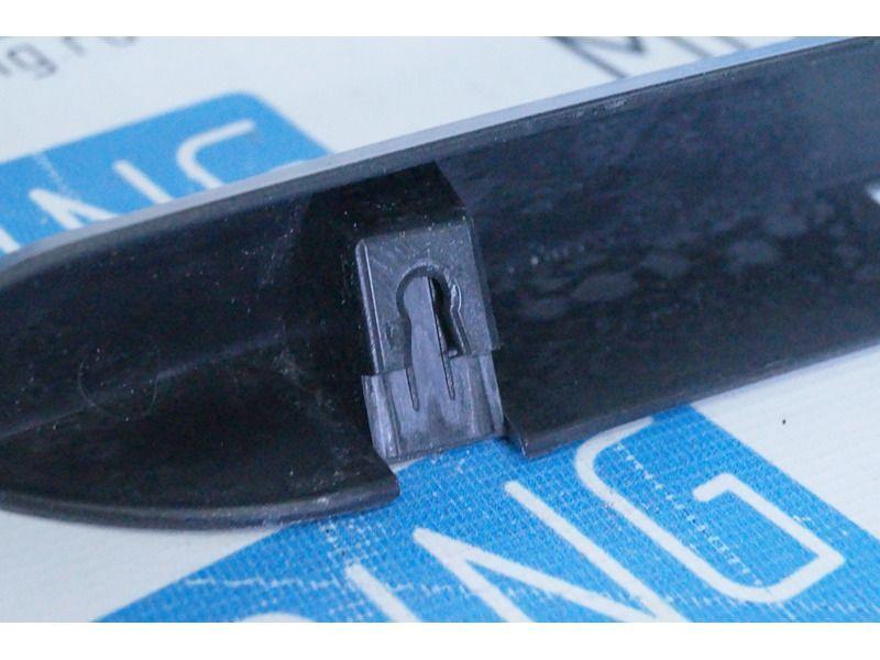 Накладка (сабля) заднего номера в цвет кузова для Лада Приора седан, хэтчбек_2
