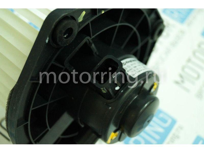 Электродвигатель отопителя в сборе на Лада Приора с кондиционером PANASONIC_4