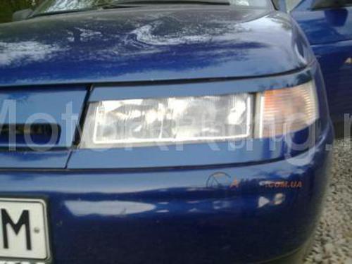 Купить реснички на фары верхние в цвет кузова для ВАЗ 2110-12 в интернет-магазине motorring.ru